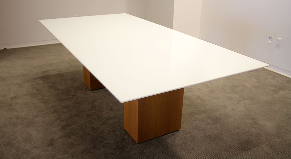 Exceptional White Glass Table