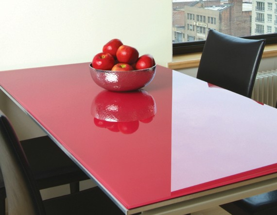 red-painted-glass-table-cover